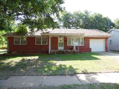 Wellington Single Family Home For Sale: 709 N B St