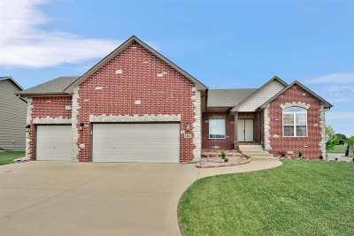Wichita Single Family Home For Sale: 2502 N Springdale Cir