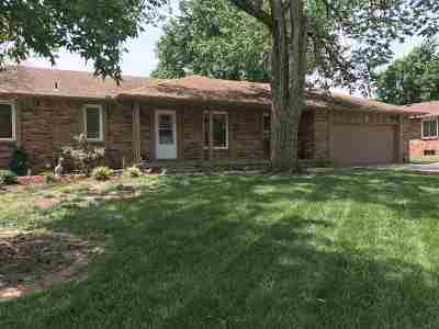 Augusta Single Family Home Contingent: 17 E Ranchwood Dr