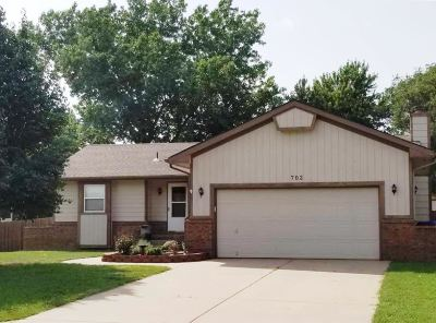 Mulvane Single Family Home For Sale: 702 Lisa Lane