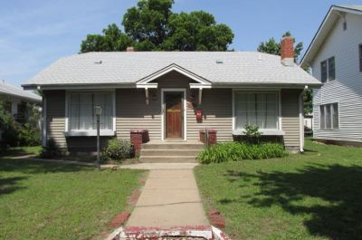 Arkansas City Single Family Home For Sale: 817 N A