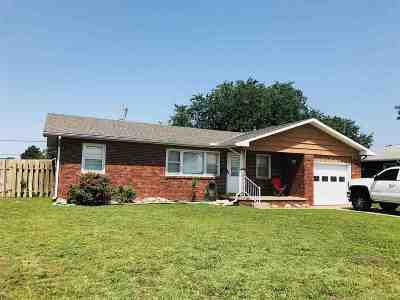 Arkansas City Single Family Home For Sale: 1519 N C