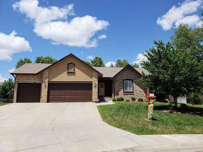 Derby Single Family Home For Sale: 716 Timberleaf Court