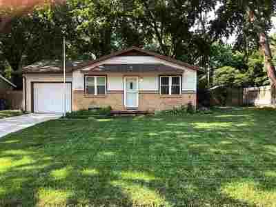 Mulvane Single Family Home For Sale: 516 E Helbert