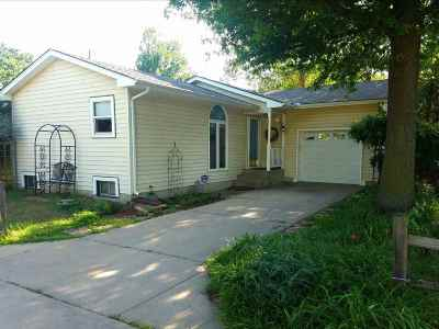 Kechi Single Family Home Contingent: 207 Sandstone Ct