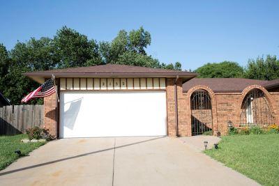 Wichita KS Single Family Home For Sale: $108,000