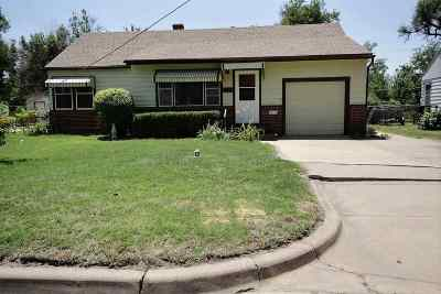 Wichita Single Family Home For Sale: 2329 W 14th St N