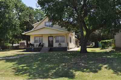 Wellington Single Family Home For Sale: 1309 N Jefferson