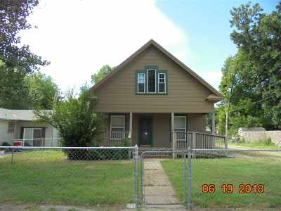 Wellington Single Family Home For Sale: 914 E 7th St