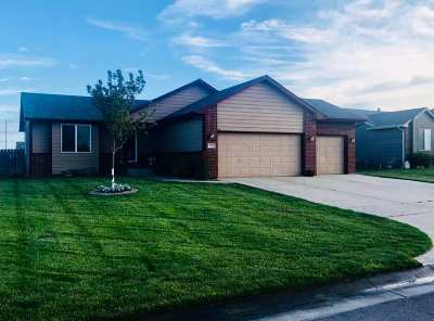 Haysville Single Family Home For Sale: 1873 W Saddle Brooke