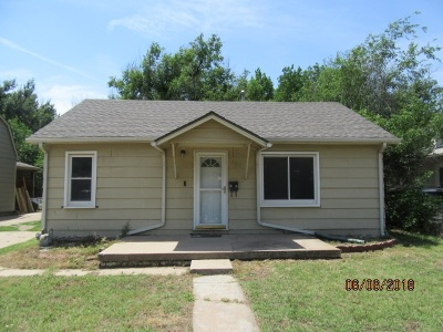 Wichita Single Family Home For Sale: 1309 S Edwards Ave