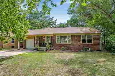 Wichita Single Family Home For Sale: 1214 Waverly St