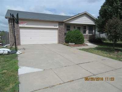 Wichita Single Family Home For Sale: 2133 S Parkridge St