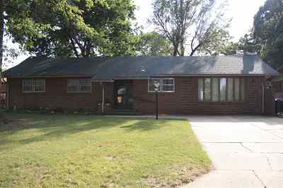 Wichita Single Family Home For Sale: 8 N Maus Ln