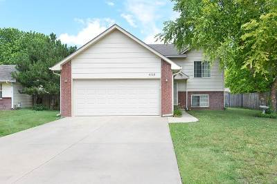 Valley Center Single Family Home For Sale: 408 Valley Park Dr