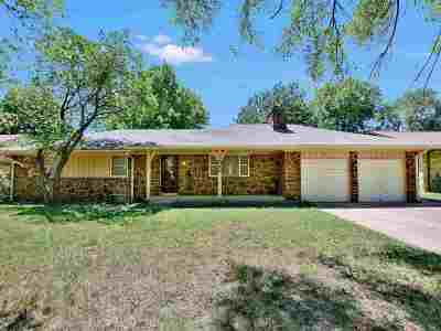 Wichita KS Single Family Home For Sale: $150,000