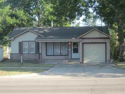 Single Family Home For Sale: 819 W Mount Vernon St