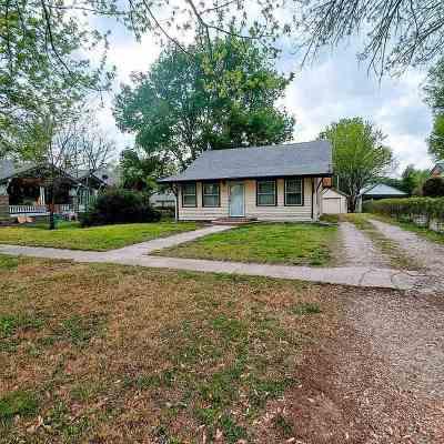 Douglass Single Family Home For Sale: 419 S Maple