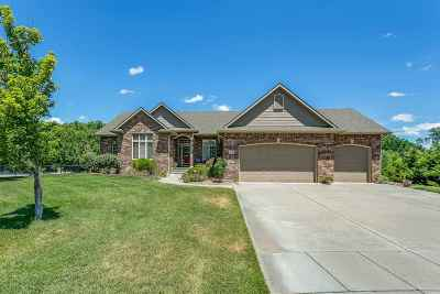 Valley Center Single Family Home For Sale: 208 N Fiddlers Creek Ct
