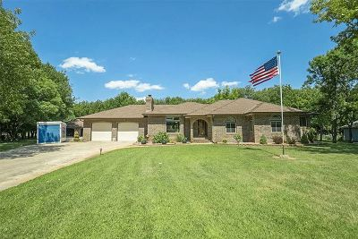 Haysville Single Family Home Contingent: 7830 Shady Creek Cir