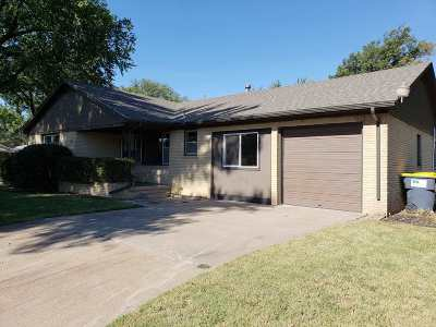 Mulvane Single Family Home For Sale: 907 Charles Ave