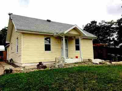 Wellington Single Family Home For Sale: 418 W Kansas St