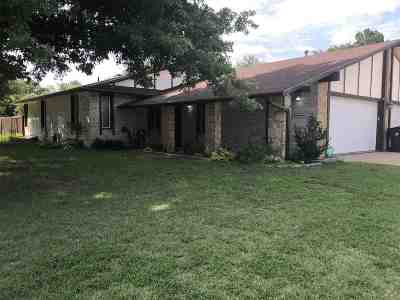 Wichita Single Family Home For Sale: 539 S Byron Ave