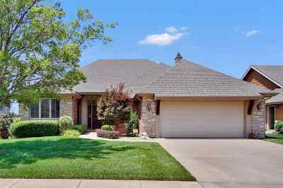 Derby Single Family Home For Sale: 2313 Sawgrass Cir