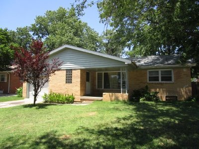 Derby Single Family Home For Sale: 210 E Maryland St