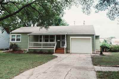 Harvey County Single Family Home For Sale: 215 Spruce St