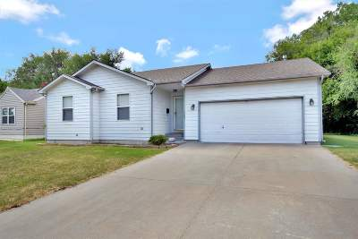 Wichita Single Family Home For Sale: 1543 N Northeast Pkwy