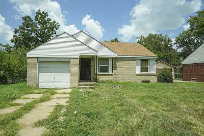 Sedgwick County Single Family Home For Sale: 2202 E Shadybrook St
