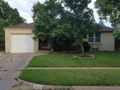 Sedgwick County Single Family Home For Sale: 2124 S Parkwood Ln