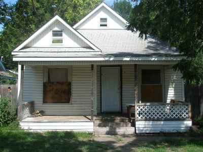 Wichita Single Family Home For Sale: 1340 S Palisade St