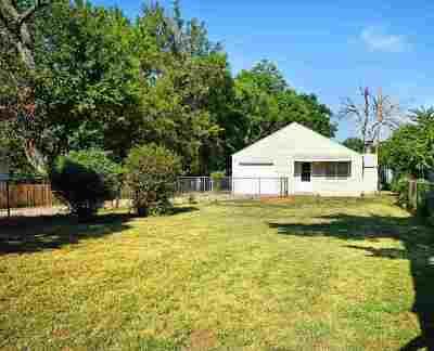 Wichita Single Family Home For Sale: 2118 S Ida St