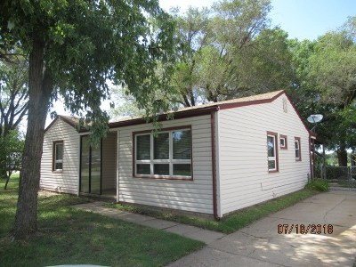 Haysville Single Family Home For Sale: 126 W Sunflower