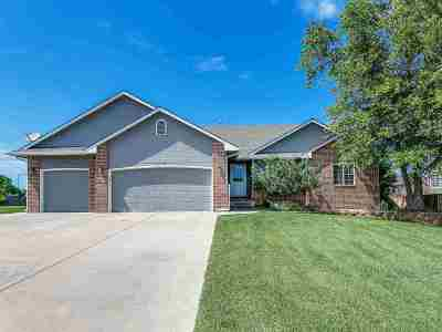 Derby Single Family Home For Sale: 2106 E Myrtlewood Cir