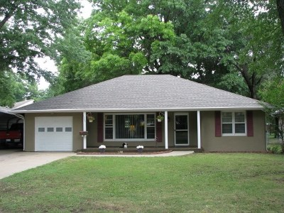 Winfield Single Family Home For Sale: 1304 Cherry St