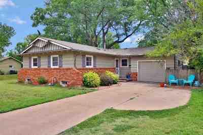 Wichita Single Family Home For Sale: 8033 Dresden Ln