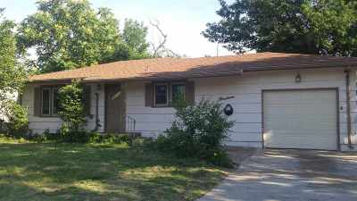 Hutchinson Single Family Home For Sale: 19 17th Crestview