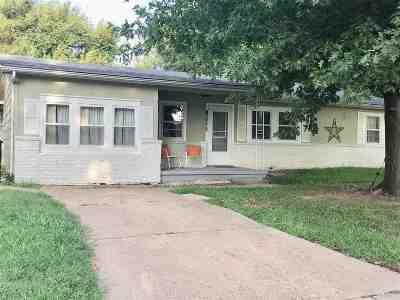 Arkansas City KS Single Family Home For Sale: $87,900