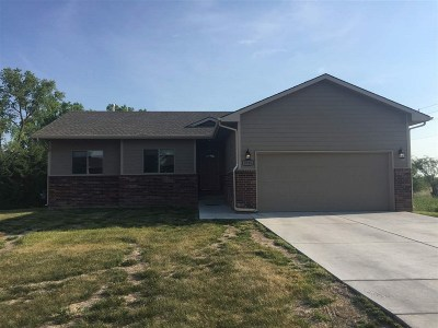 Wichita KS Single Family Home For Sale: $1,600