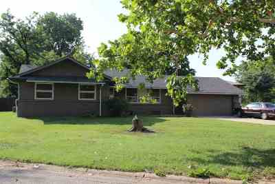Wichita KS Single Family Home For Sale: $125,000