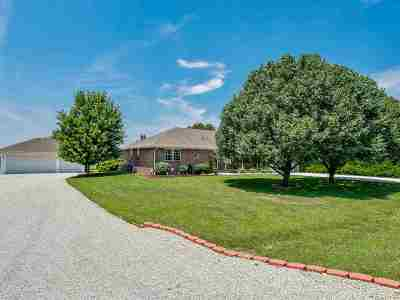 Derby Single Family Home Contingent: 6547 S Bedford Cir