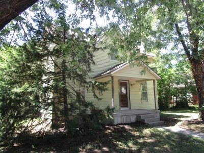 Buhler Single Family Home For Sale: 215 N Maple St