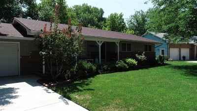 Hesston Single Family Home Contingent: 116 Meadow Lane