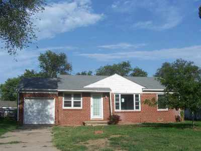 Haysville Single Family Home For Sale: 130 S Ward Pkwy