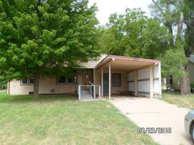 Hutchinson Single Family Home For Sale: 3311 N Plum