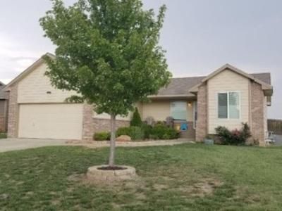 Valley Center Single Family Home For Sale: 300 S Stoneridge St