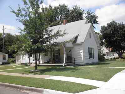 Winfield KS Single Family Home For Sale: $59,000